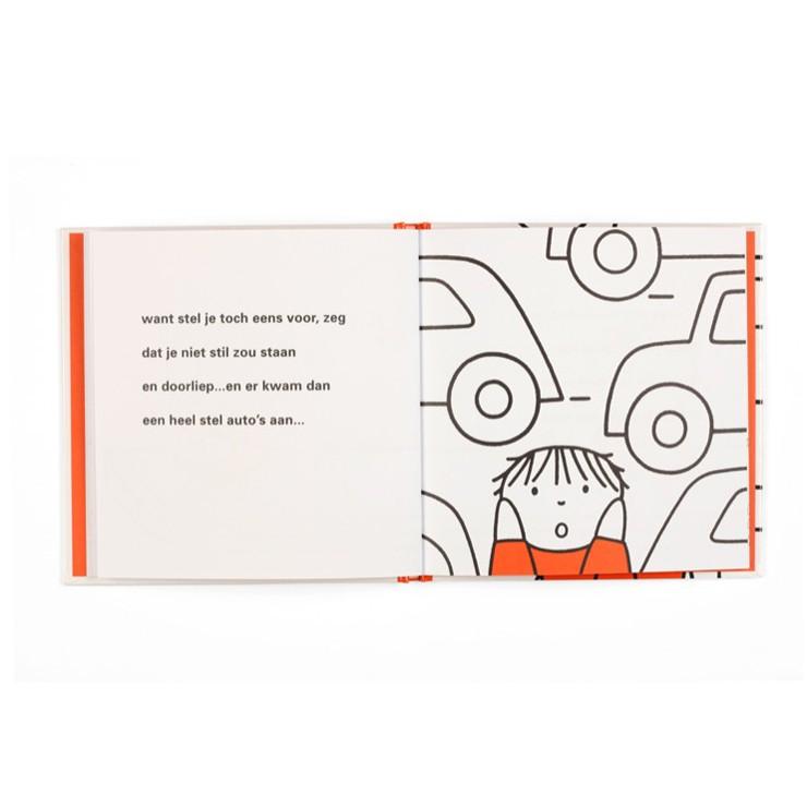 dick bruna prentenboek stoeprand...stop bekend van nijntje met thema verkeer om verkeersregels te oefenen met peuters en kleuters en kleine kinderen vanaf 2 jaar zoals oppassen met oversteken en wachten bij de stoeprand