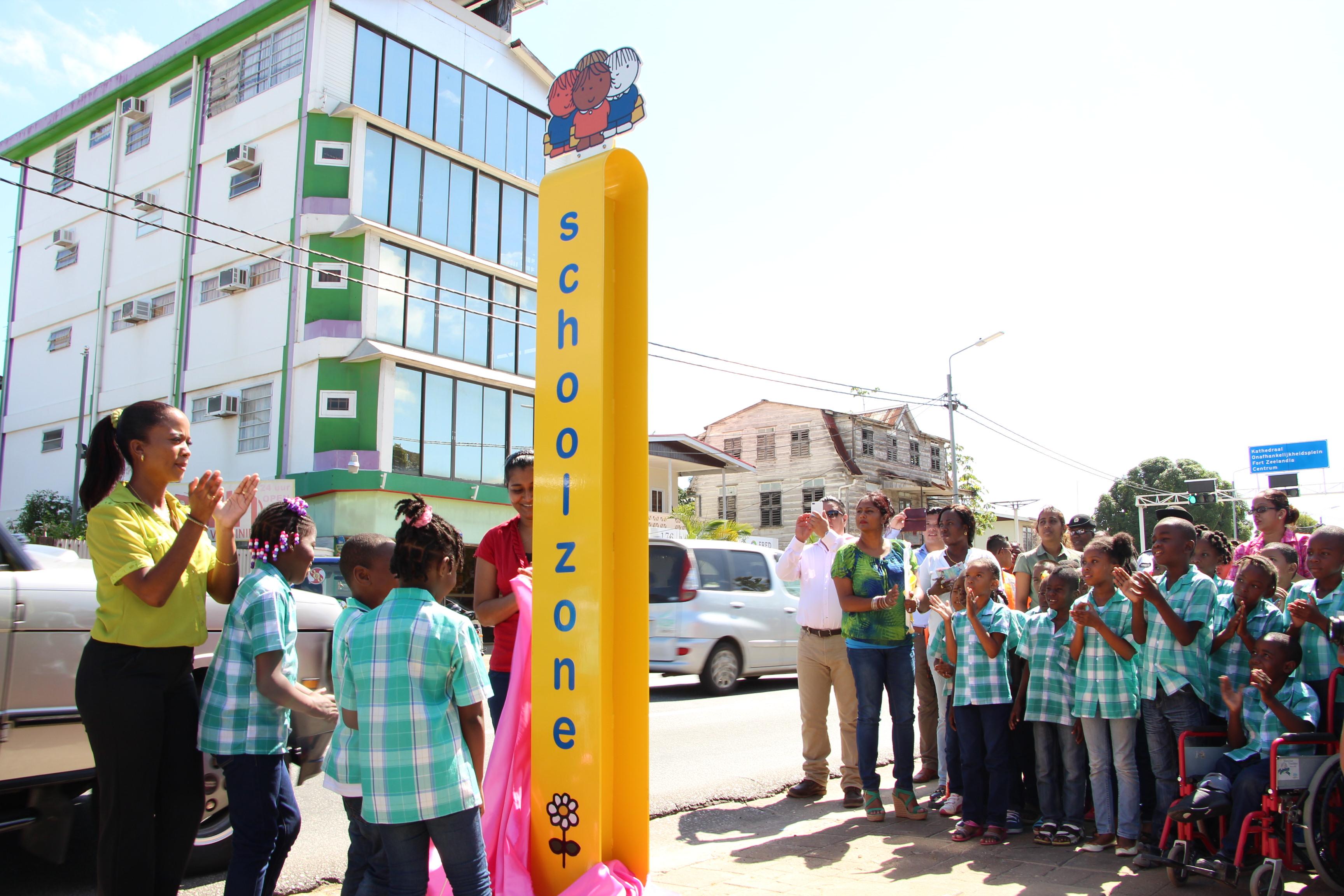 Schoolzone Suriname (bron: DB Suriname)